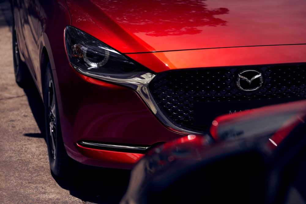2020 Mazda 2 headlight
