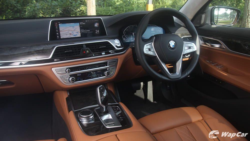 2019 BMW 7 Series 740Le xDrive Interior 004