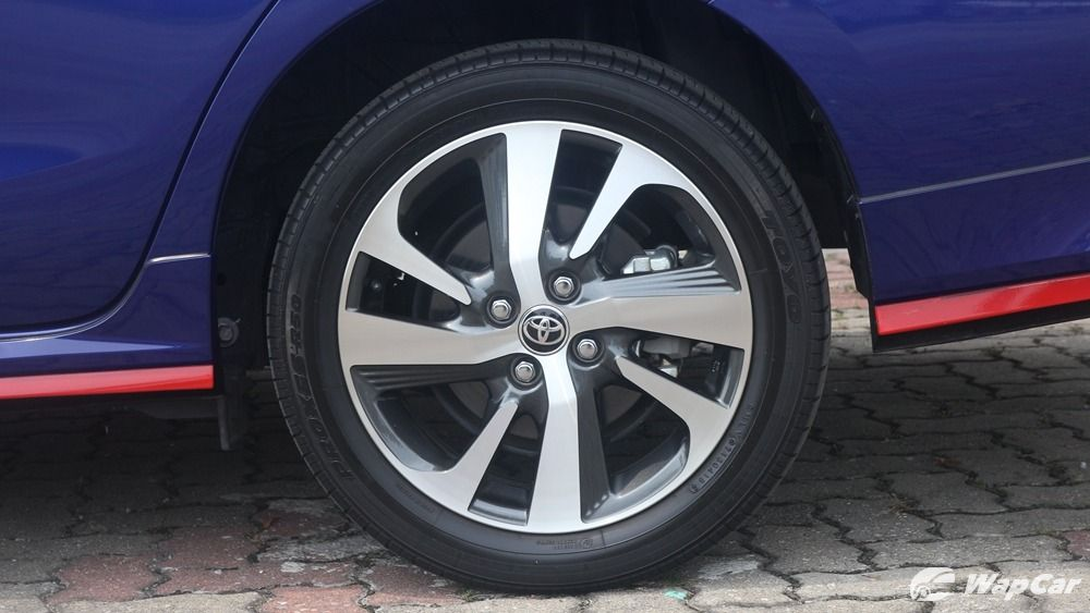 toyota vios 1.5 g cvt-I work as a consultant for an insurance company. What to do if the toyota vios 1.5 g cvt leave water stains? What did i just do?03