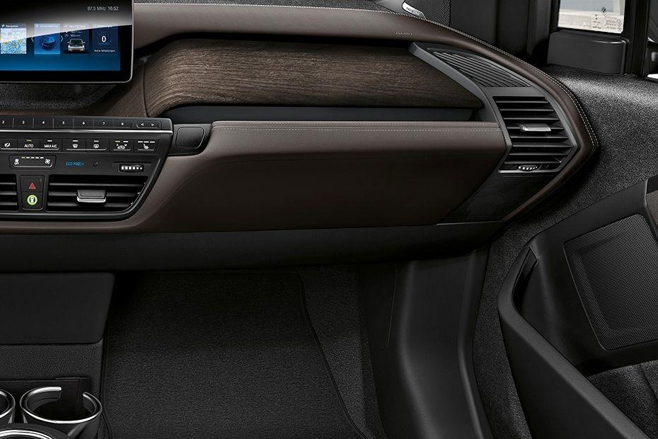 BMW i3s (2019) Interior 007