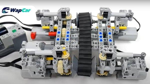 Model Lego digunakan untuk demo fungsi CVT dengan lebih jelas. Hebat!
