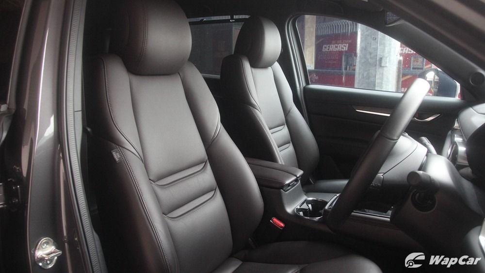 2019 Mazda CX-8 front seats