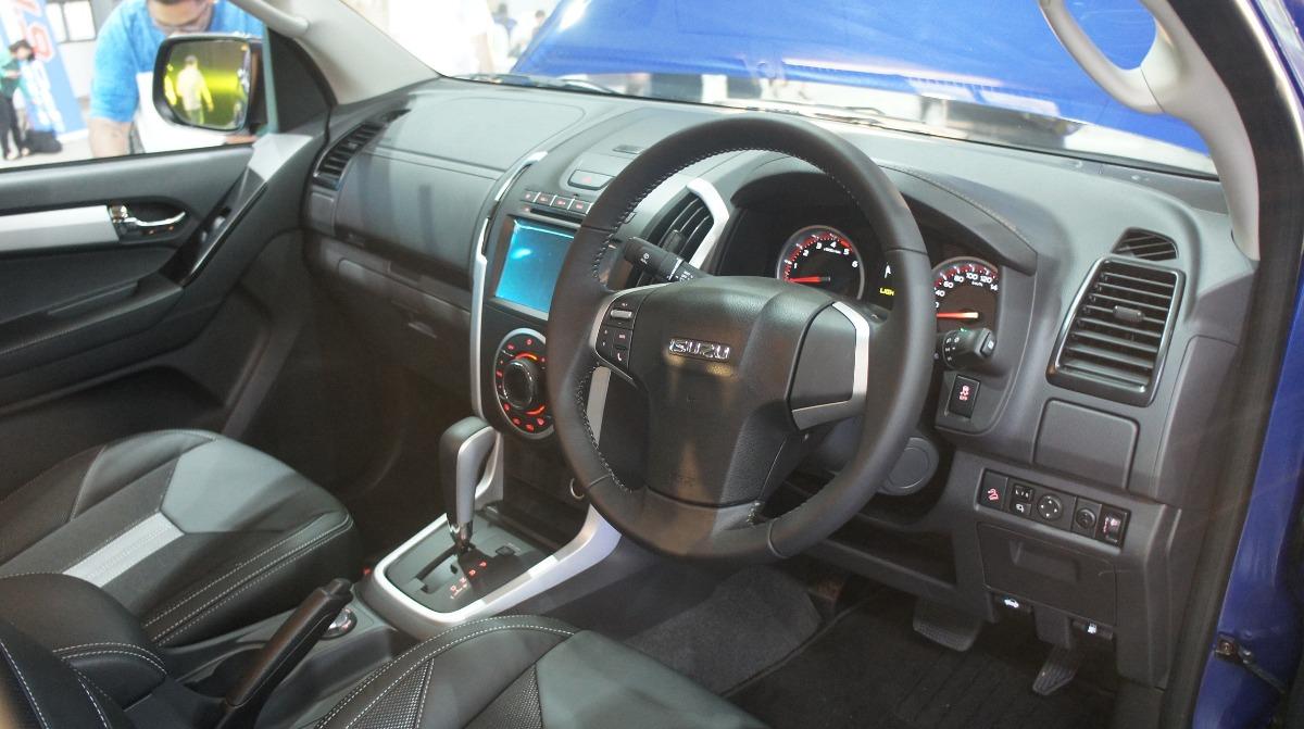 Isuzu D-MAX (2019) Interior 002