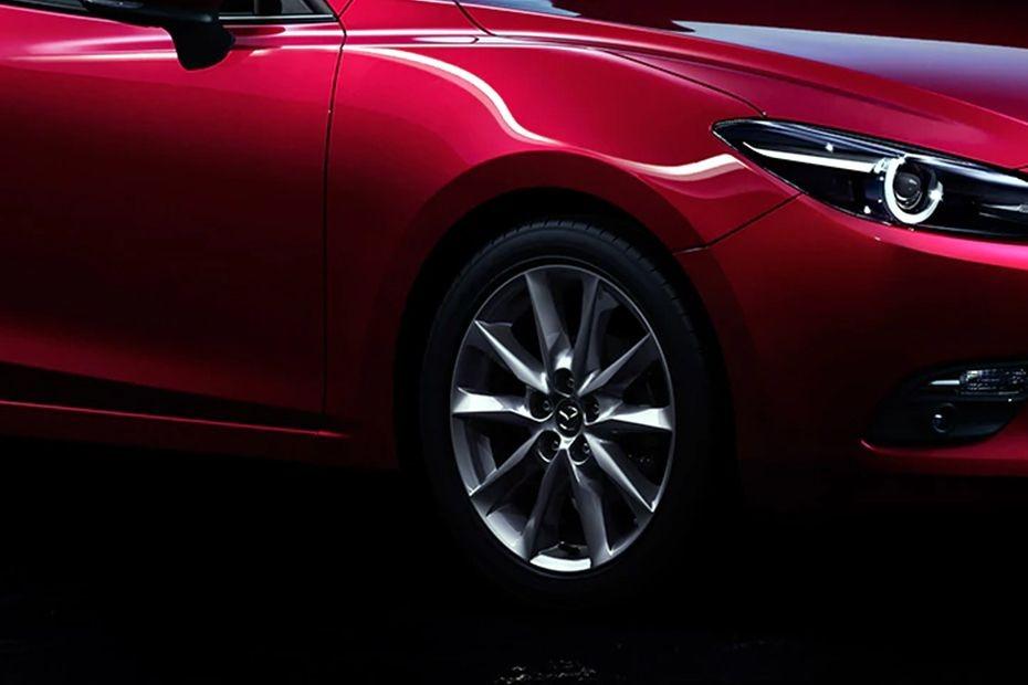 Mazda 3 Sedan (2018) Exterior 010