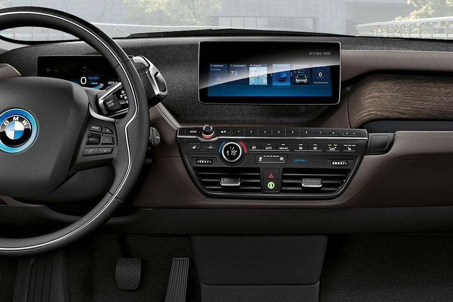 BMW i3s (2019) Interior 003