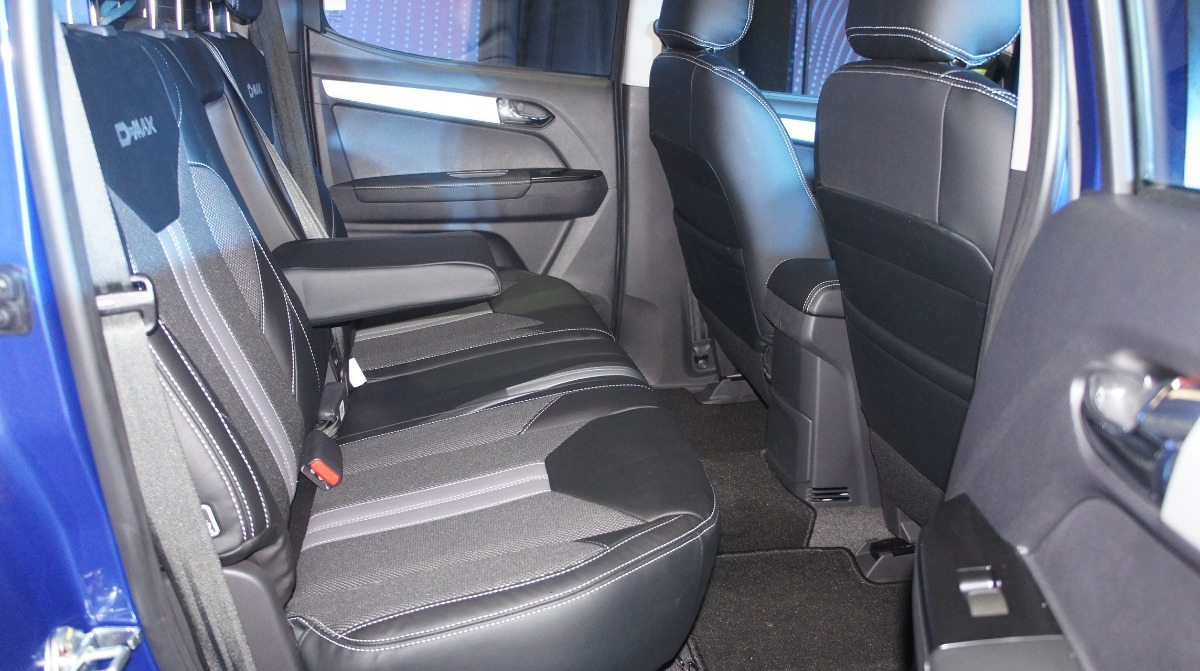 Isuzu D-MAX (2019) Interior 009
