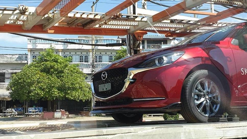 2020 Mazda 2 facelift new grille