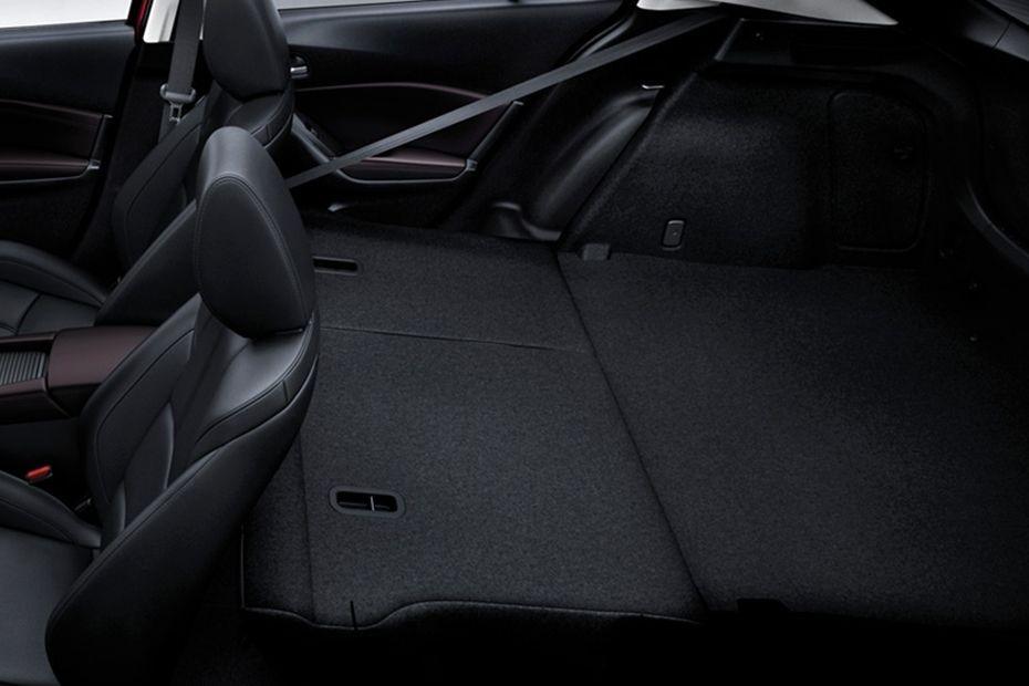 Mazda 3 Sedan (2018) Interior 009