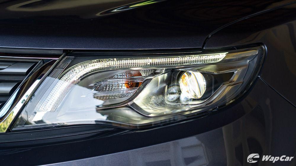2020 Proton X70 headlights
