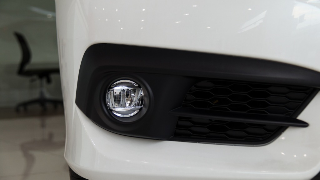 honda si-I am not sure now that I read about honda si. How good is the new honda si for me in such a headlamps? What am honda si transforming into?00