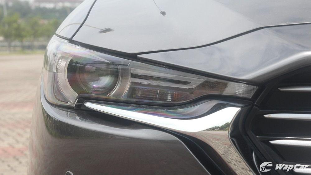 2019 Mazda CX-8 headlights