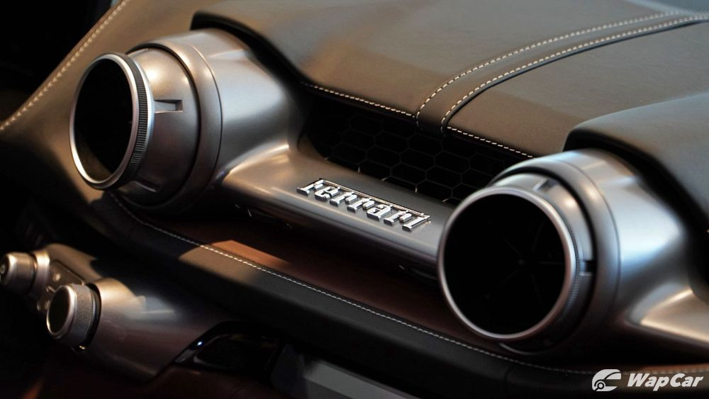 2020 Ferrari 812 GTS Interior 008