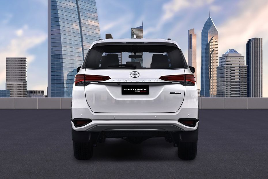 Toyota Fortuner (2018) Others 006