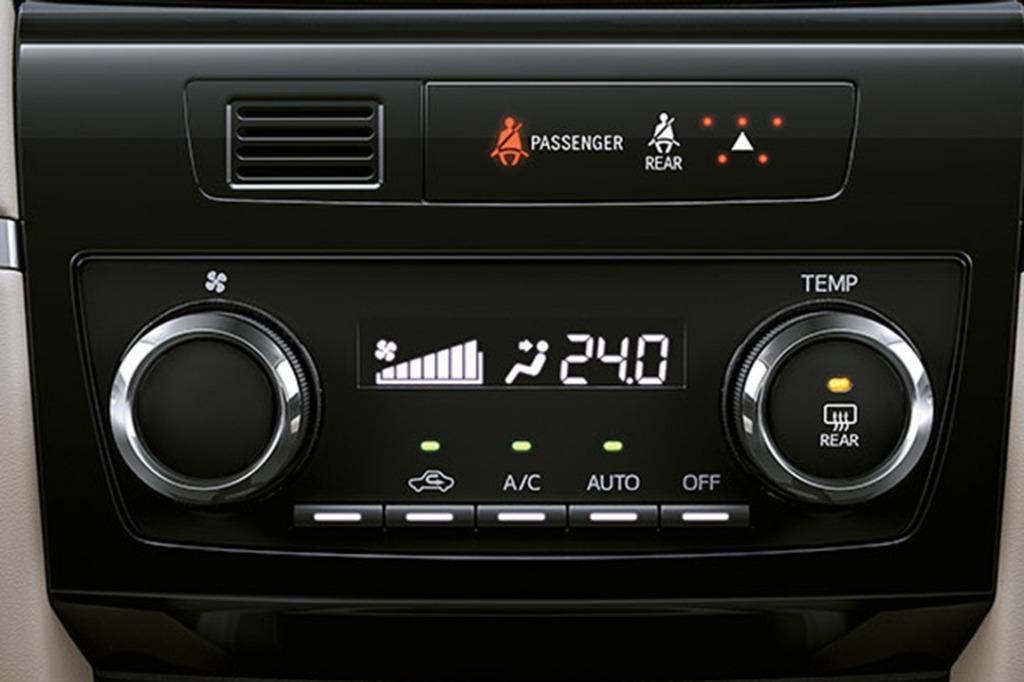 Toyota Rush (2019) Interior 005