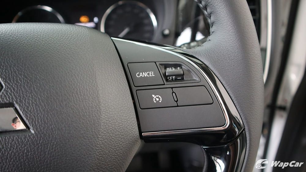 2018 Mitsubishi Outlander 2.0 CVT (CKD) Interior 009
