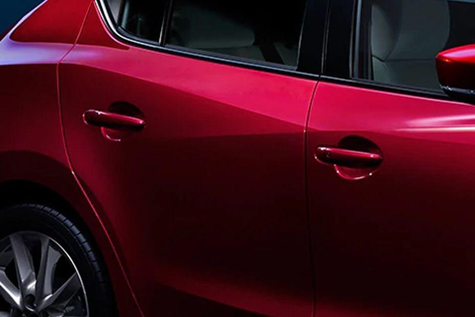 Mazda 3 Sedan (2018) Exterior 009
