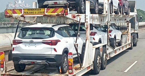 2020 Kia Seltos spied on trailer in Malaysia, launching soon?