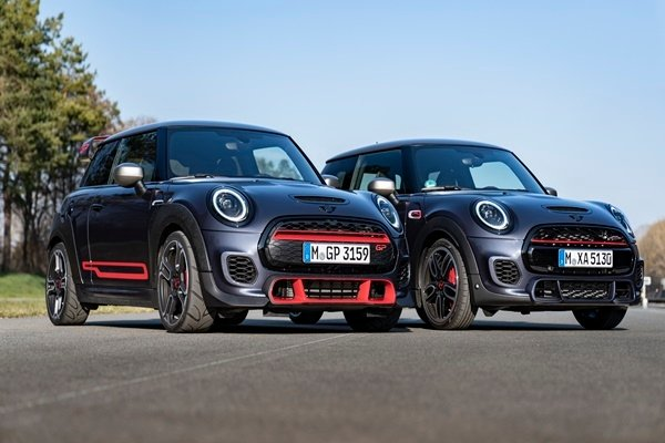 New MINI John Cooper Works introduced- 3,000 units only