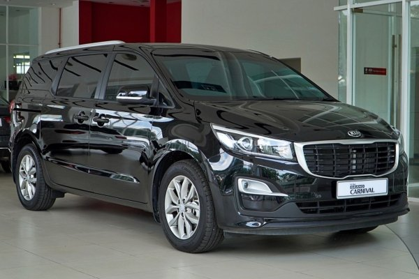 Photo Library: 2020 Kia Grand Carnival 11-seater