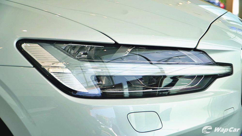 2020 Volvo S60 T8 PHEV R-Design Exterior 010