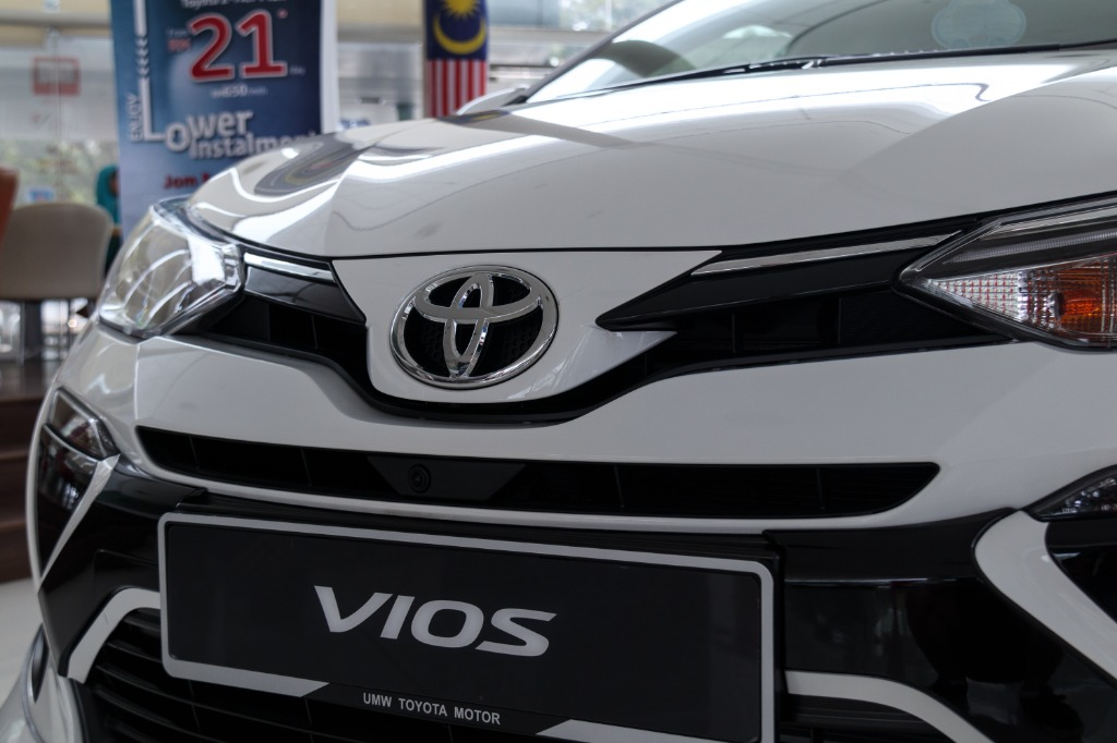 toyota vios sportivo 2018-I am just a bit distressed。 Should I get a heavier car or a lighter car?  Am i just really lucky?03