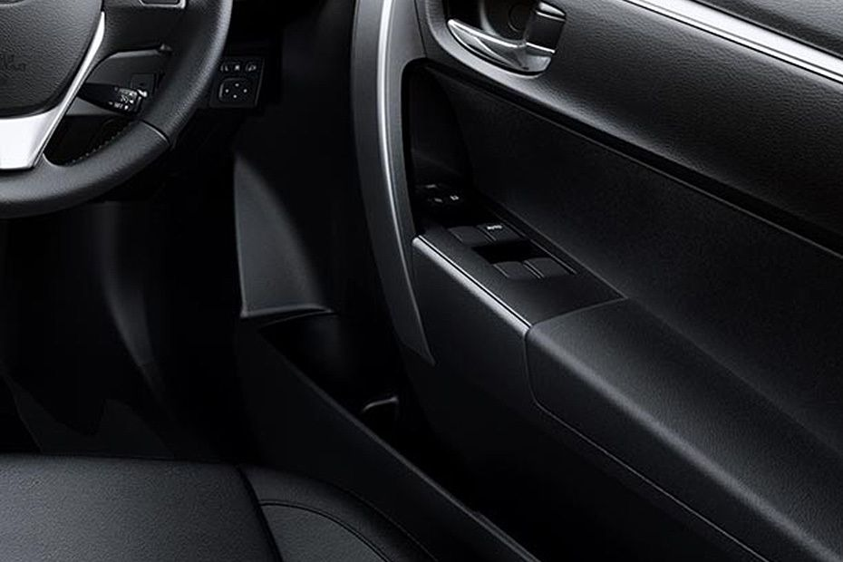 Toyota Corolla Altis (2018) Others 009