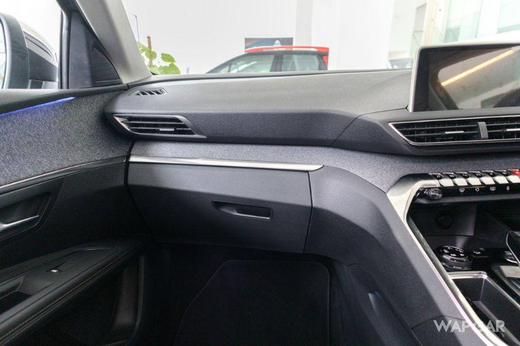 2019 Peugeot 5008 THP Plus Allure Interior 005