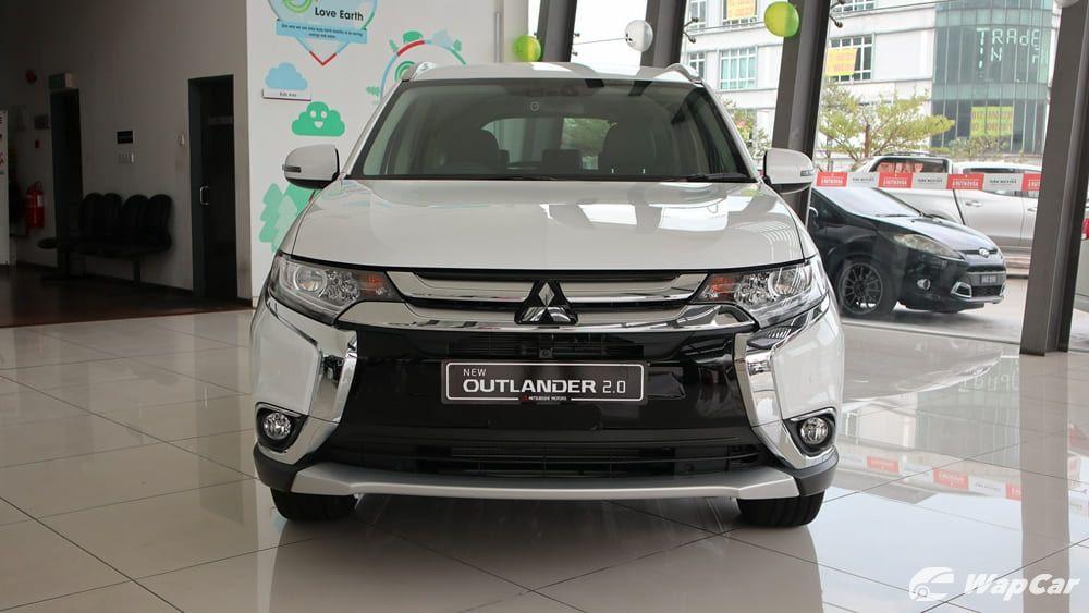 Mitsubishi Outlander 02