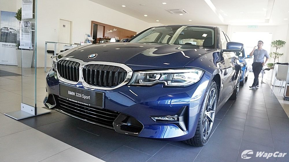 2020 BMW 320i M Sport front view