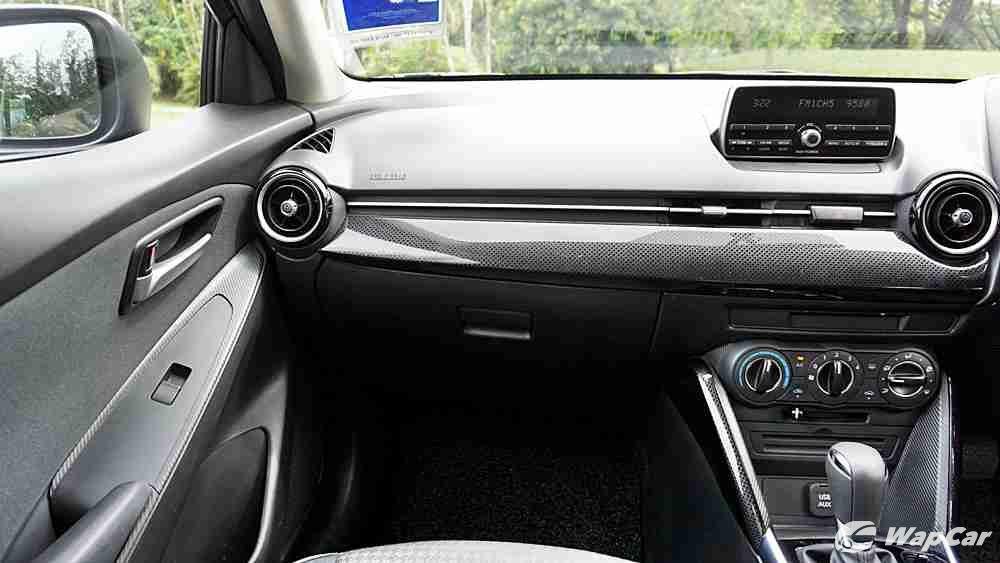 2018 Mazda 2 Hatchback 1.5 Hatchback GVC Mid-spec Others 003