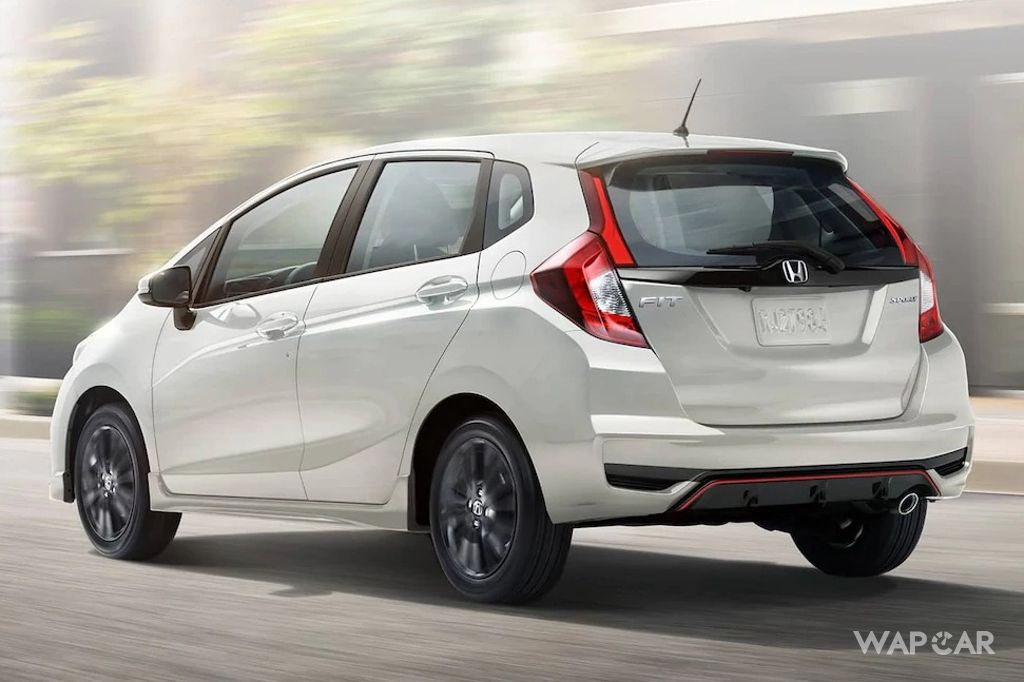 mobil honda jazz 2019-I feel like i carry this problem all along. What do you think of the fuel consumption in mobil honda jazz 2019? Am i just wasting electricity?00