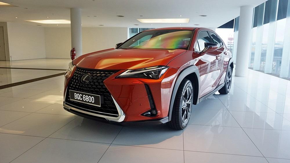 Lexus UX 01