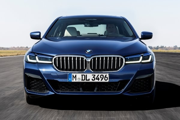 2020 BMW 5 Series vs 2020 Mercedes-Benz E-Class, which is worth waiting for?