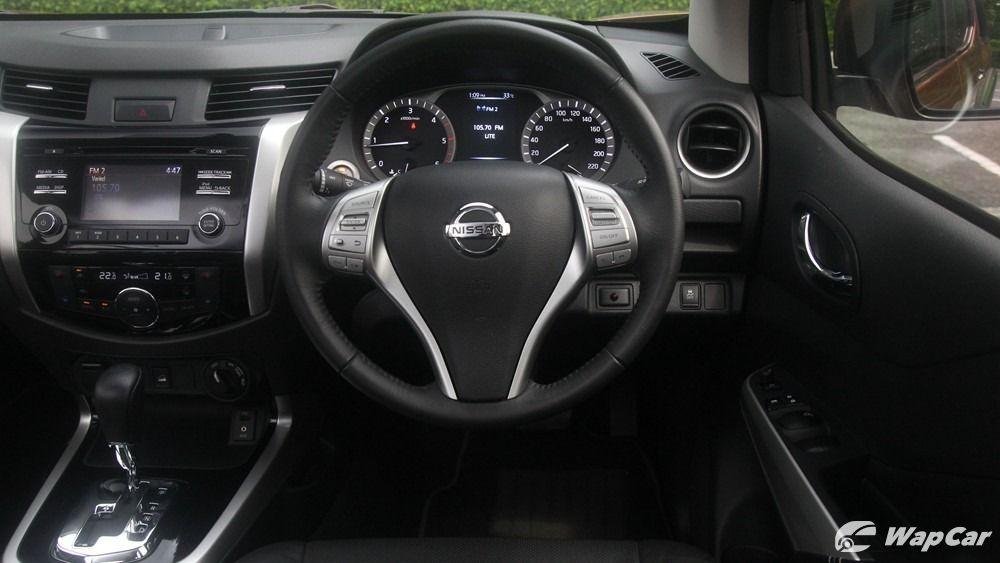 2018 Nissan Navara VL 2.5 (A) Interior 005