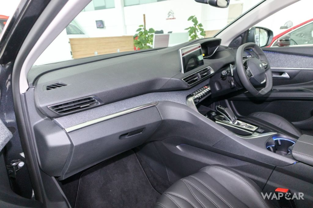 2019 Peugeot 5008 THP Plus Allure Interior 003