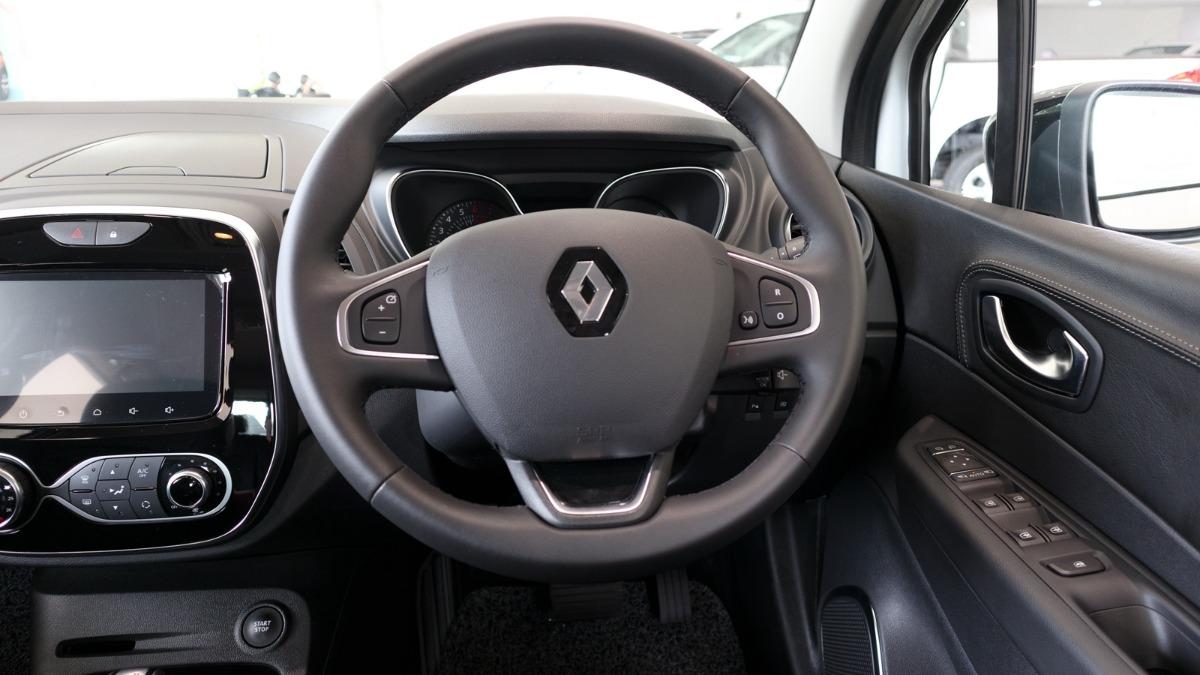 Renault Captur 03