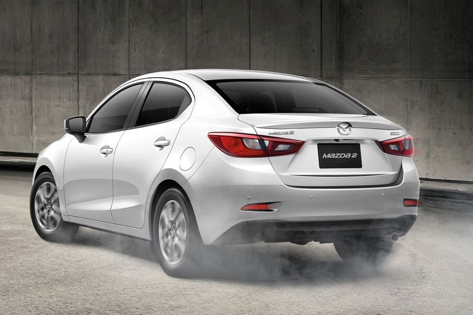 Mazda 2 Sedan 02