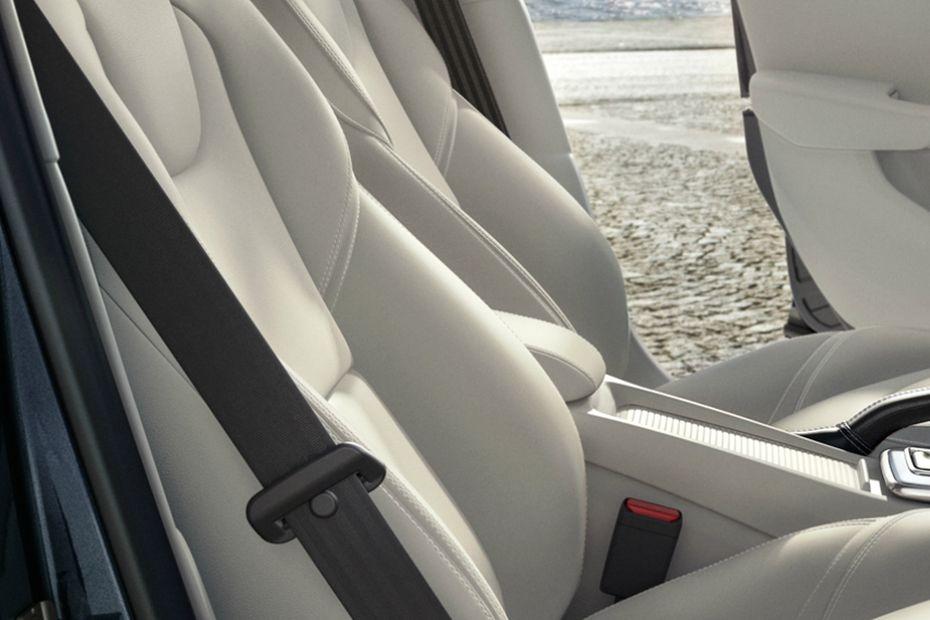 Volvo V40 (2018) Interior 010