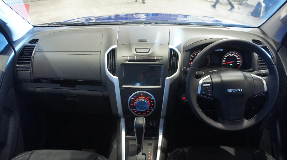 Isuzu D-MAX (2019) Interior 001