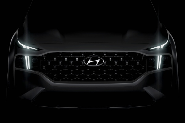 New 2020 Hyundai Santa Fe gets Korean 'Thor Hammer' headlights?