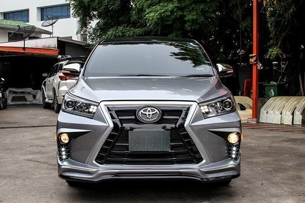 This Lexus-inspired Innova sure looks INNOVA-tive!