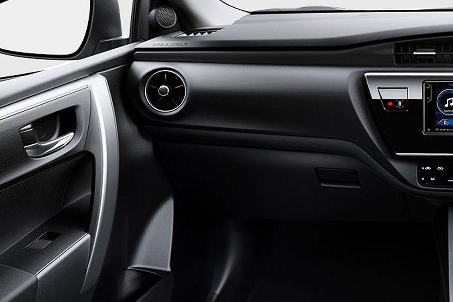 Toyota Corolla Altis (2018) Others 010