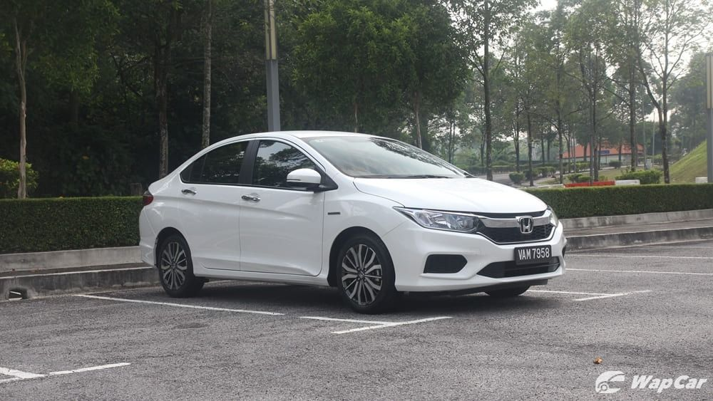 honda city hitech-Which kind is suitable? Can I get honda city hitech as my first car? I think i just felt it.11