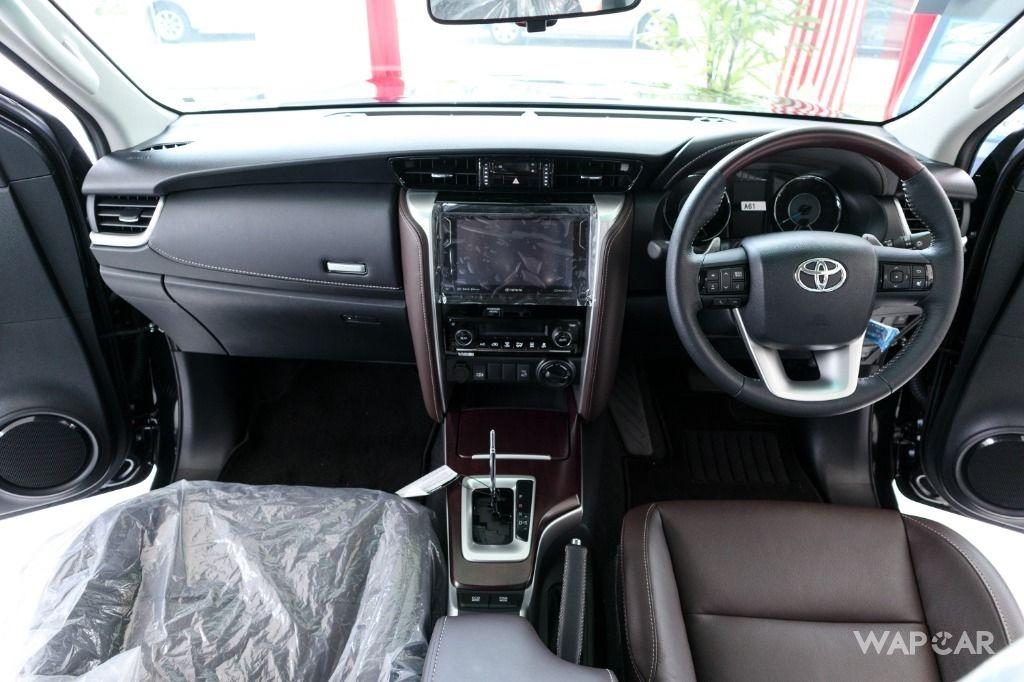 Toyota Fortuner 03