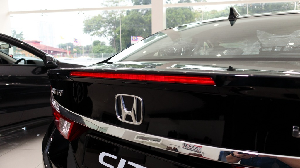 honda city car black-I am not sure now that I read about honda city car black. What do you think is the next milestone car of honda city car black? Should i just buy it?01