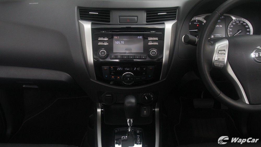 2018 Nissan Navara VL 2.5 (A) Interior 004