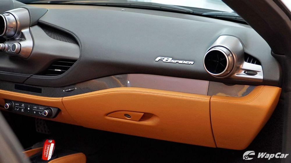 2020 Ferrari F8 Spider  Interior 009