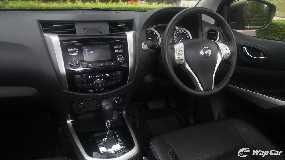 2018 Nissan Navara VL 2.5 (A) Interior 002