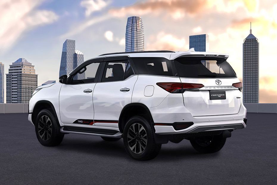 Toyota Fortuner (2018) Others 007