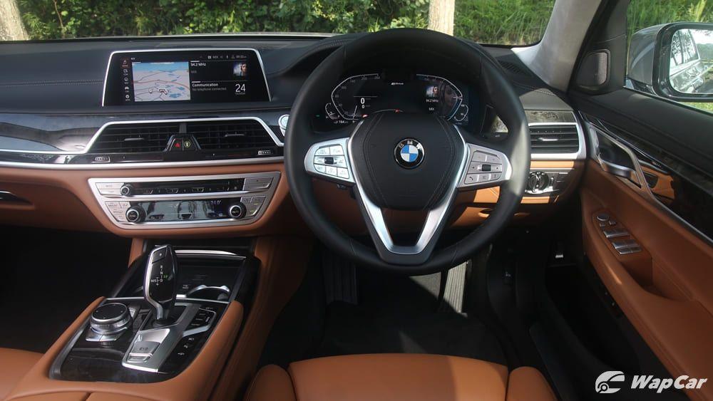 2019 BMW 7 Series 740Le xDrive Interior 002